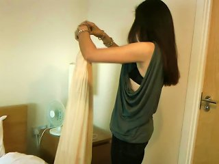 Teen From India Jasmine Is Dressing In The Room